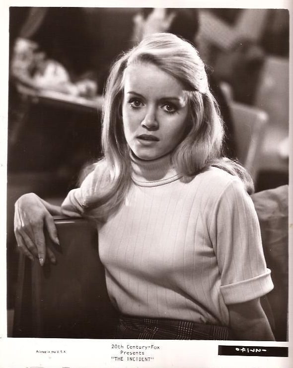 donna-mills-the-incident-1967-8x10-movie-still-photo