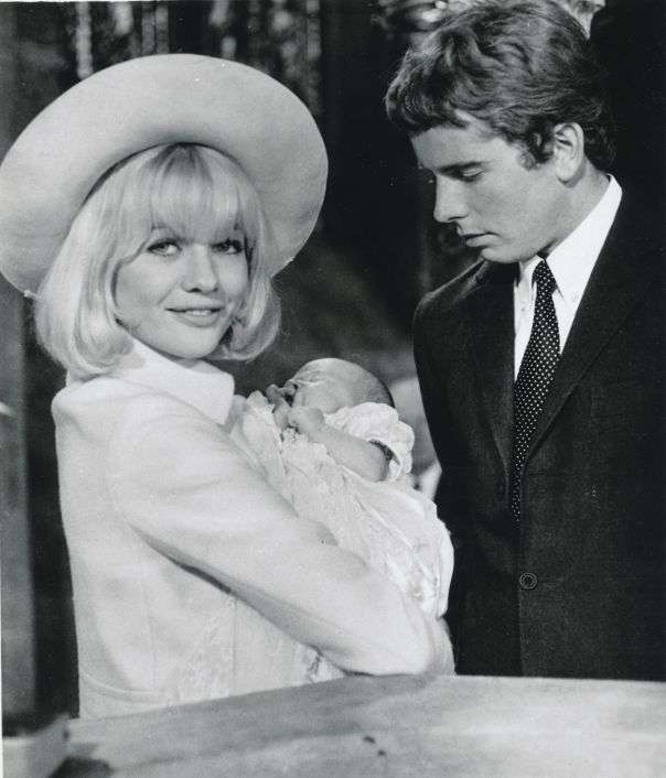 judy-geeson_prudence-and-the-pill_8x10-original-photo-aa6280