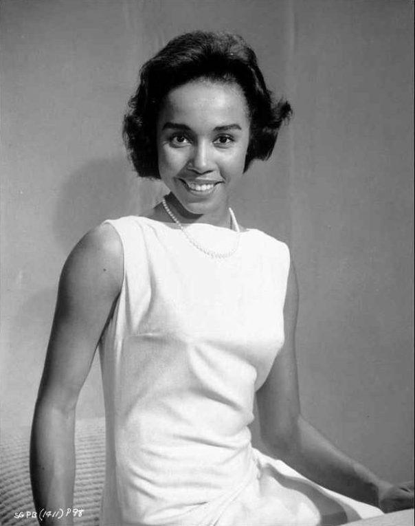 diahann-carroll-portrait-in-white-dress