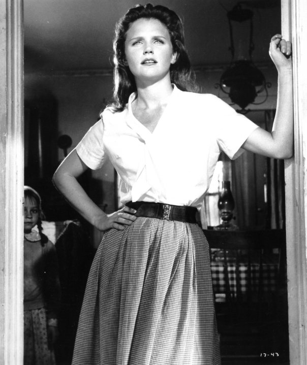 lee-remick-wildriver21
