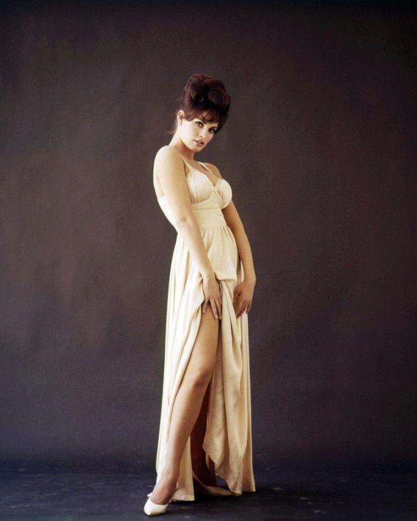 Raquel welch myra - 2 part 7