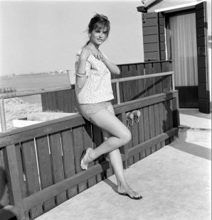 Claudia-Cardinale-1950s-3