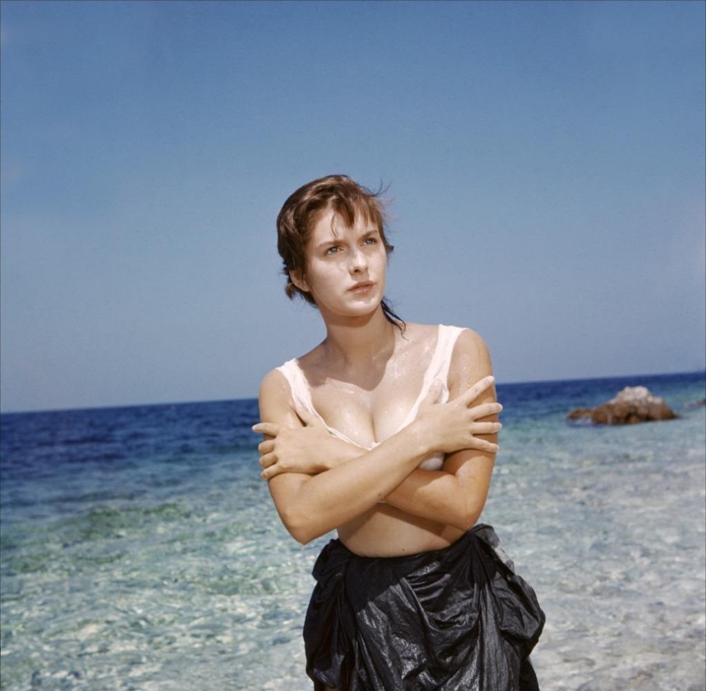 Tanya Lopert Nude Photos 9